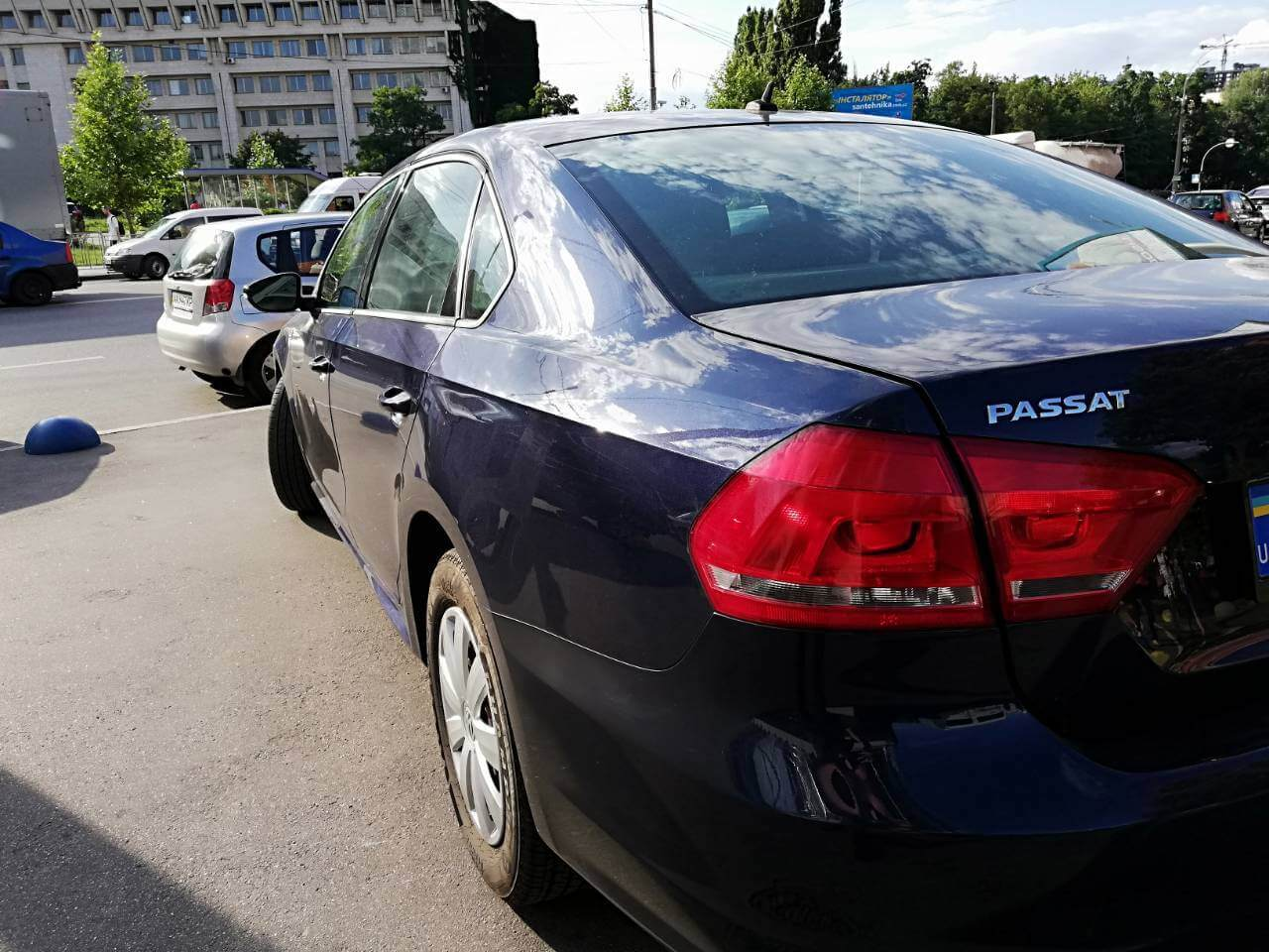 Купить бу Volkswagen Passat в Украине