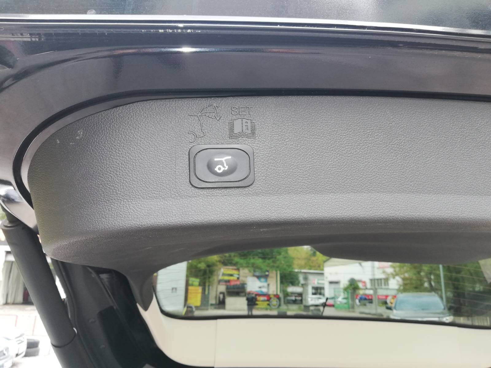 Купить б/у Ford Escape 2.0 2017 года