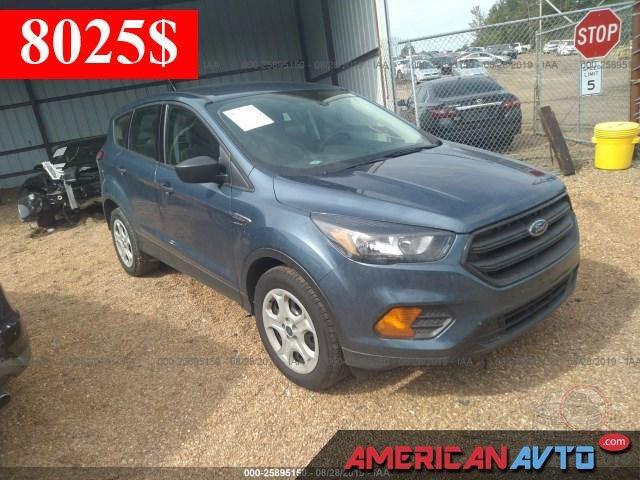 Купить бу Ford Escape 2.5 2018 года в США