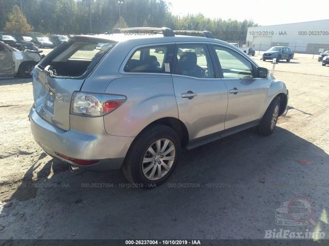 Купить бу MAZDA CX-7 2.5 2011 года в США
