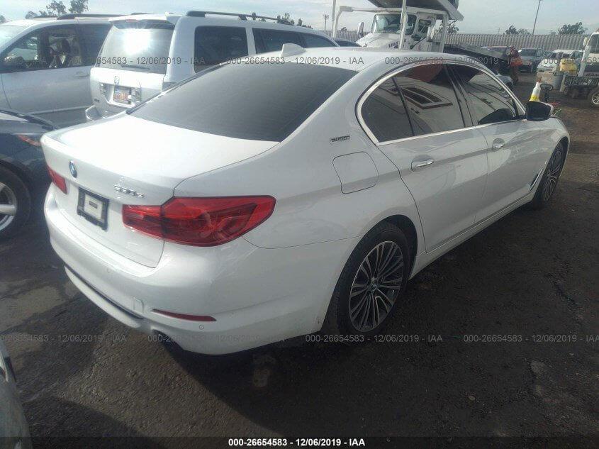 Купить бу BMW 530E 2.0 2018 года в США