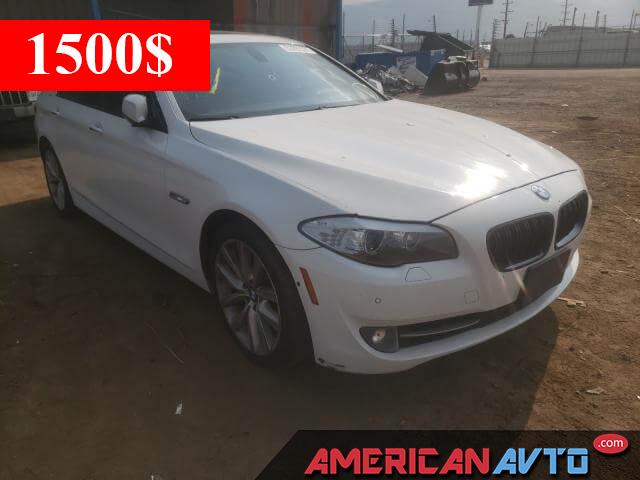 Купить бу BMW 550 I 2011 года в США